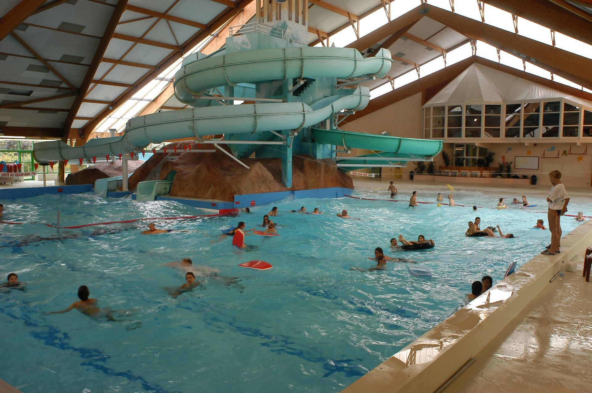Piscines ch teauroux m tropole for Piscine saintes